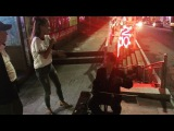 Экс-участница «Дом 2» Александра Гозиас «на веселе» орёт песни прямо на улице