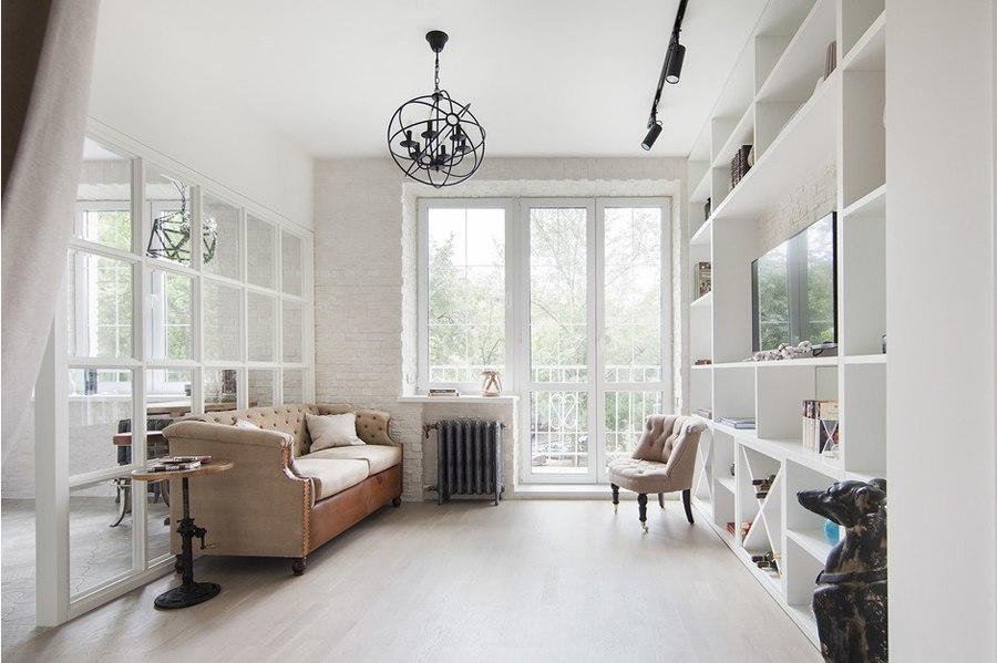 Студия 32 м из однокомнатной квартиры в доме старого жилого фонда в Москве.