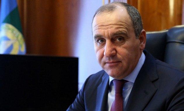 Рашид Темрезов поздравил работников энергетической отрасли Карачаево-Черкесии с профессиональным праздником