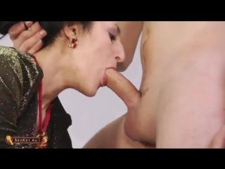 lizhet-armyanke-popku