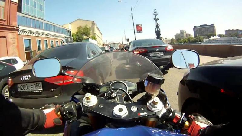 Преимущество мотоцикла в пробке ! Золотая Р6 Gold R6 Gopro 4 ГУУ GUU