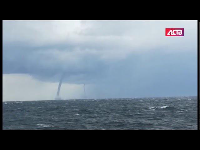 Два смерча преследовали сахалинское судно в Татарском проливе