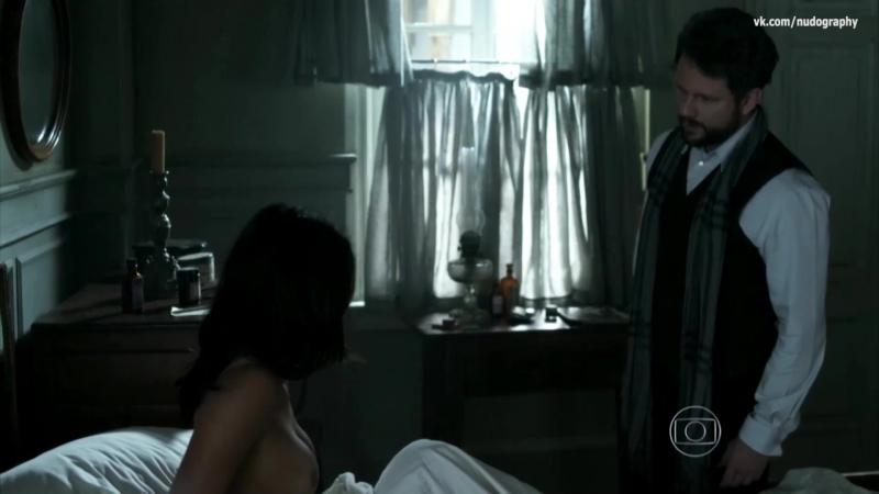 Янна Лавин (Yanna Lavigne) голая в сериале Опасные связи (Ligações Perigosas, 2016) s01e03