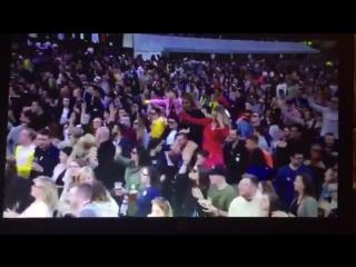 Manchester rapping Nicki Minaj's SideToSide verse during Ariana Grande's