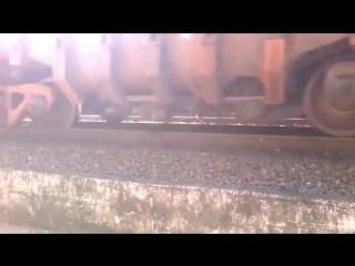 Очевидцы сняли на камеру сход вагона с рельс
