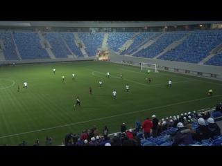Первый неофициальный матч на стадионе в западной части Крестовского острова