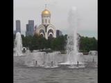 ФонтанРадость победы наПоклоннойгоре и ХрамГеоргия ПобедоносцанаПоклоннойгоре-Москва.