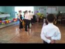 Танец на школьном выпускном у старших классов 2017