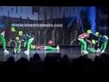 Крутой танец под музыку детской игры марио!