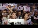 Испания: Сотни протеста решение суда пересмотрел запрет корриды в Каталонии.