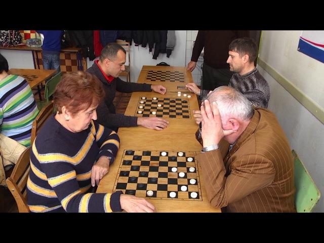 Міським Центром фізичного здоров'я Спорт для всіх був проведений сімейний шаш...