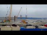 Керченский мост добивает шторм, строители уносят ноги.