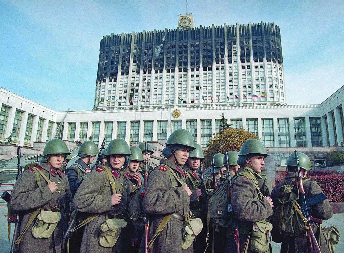 Миф о бескровном распаде СССР