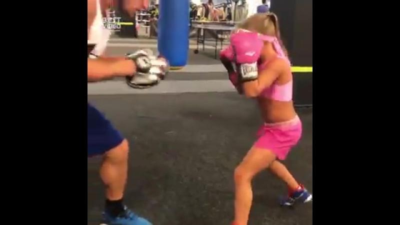 Тренировка девочки по боксу ММА 95   БОИ БЕЗ ПРАВИЛ