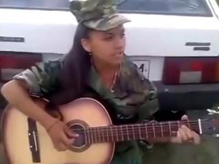 Армейская песня «Пора домой» - Девушка красиво поет