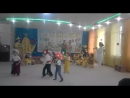 Арлан танцует