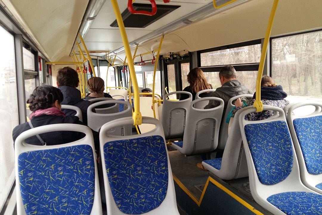 Очередное падение пенсионерки в брестском автобусе. Пострадавшая женщина в больнице.