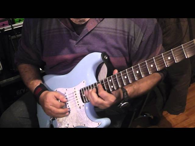 Ballad in B minor Fender YJM Sonic Blue Scalloped