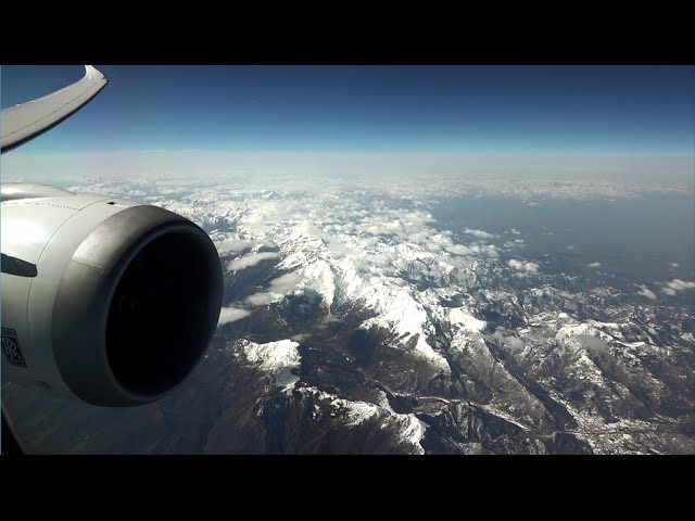 LAN Boeing 787-8 Dreamliner - spectactular flight over the Andes from Sao Paulo to Santiago