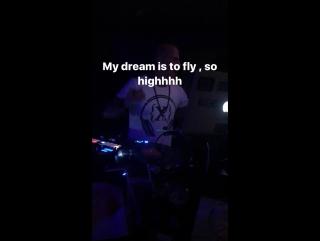 So high ✌🏻