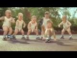 Дети танцуют под Papito Chocolata ))))))