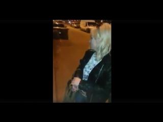 #Яжемать зашкварила сидение в такси. Кто заплатит за химчистку?