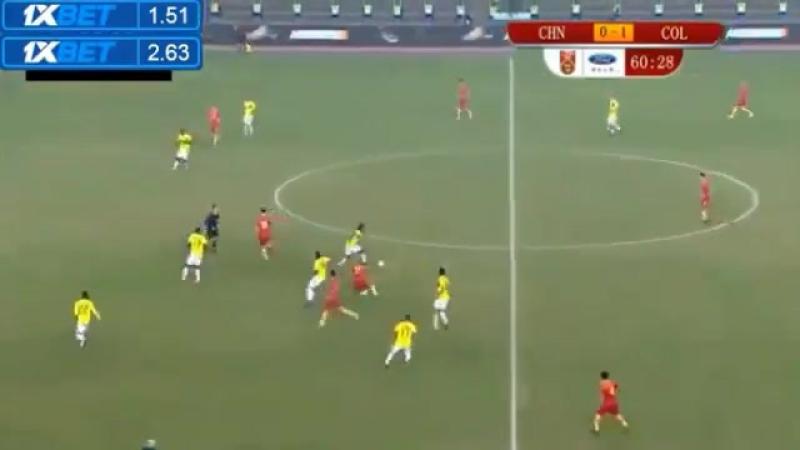 Гол Карлоса Бакки в ворота сборной Китая