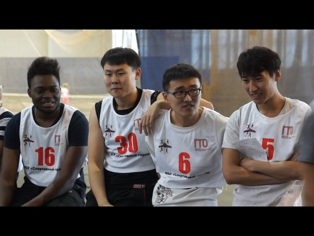 Иностранные студенты сдали нормы ГТО в легкоатлетическом манеже ЮУрГУ