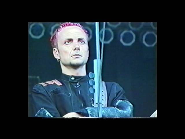 Rammstein - Feuer frei! [LIVE] Gilford, Meadowbrook Farm, USA, 2001.07.14 [PRO] [HQ]