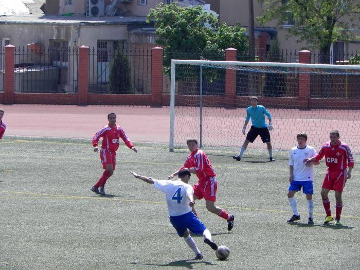 В чемпионате Мариуполя судьба первого места решилась в матчах последнего тура.