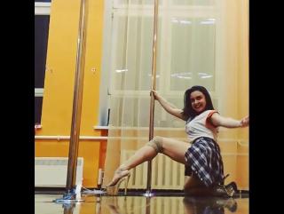 Мария Платицына exotic pole dance/ instagram: mari_platicina