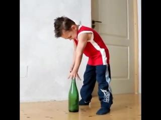 Трюк на бутылке