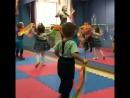 Маленький кусочек видео из нашего мини садика 😍 Понедельник среда пятница с 9 00 до 13 00 малыши 2 3 годика у нас танцуют р