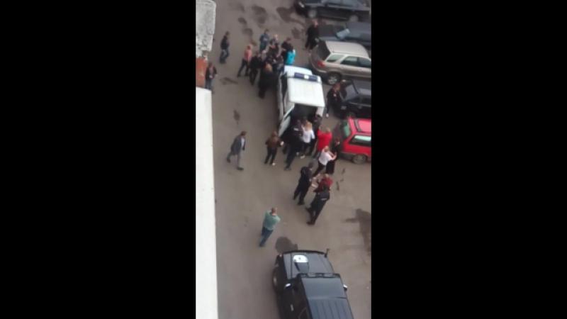 Норильск 11 06 2017г Двор ул Завенягина 6