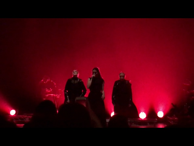 """UNDERDOG"" - Banks LIVE at the Theatre at Ace Hotel Los Angeles"