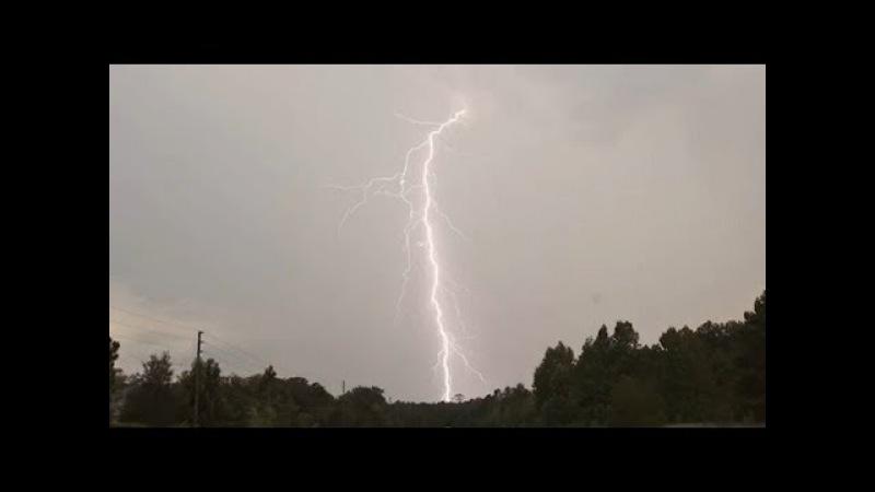 Красивые удары молнии