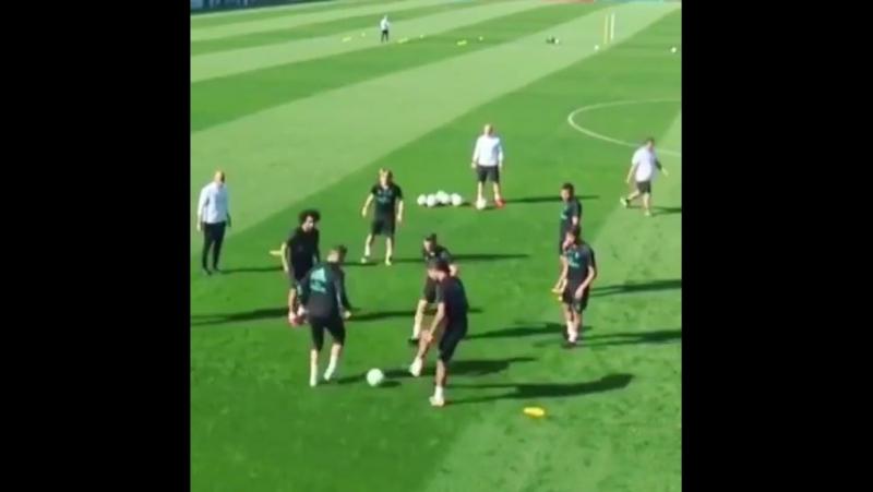 Cristiano Ronaldo elastico против Mayoral ⚽