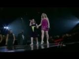 Дуэт Чарис Пемпенгко и Селин Дион. Charice and Celine Dion duet at Madison Square Garden
