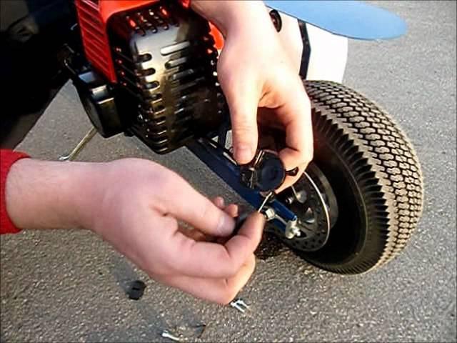 Замена тормозных колодок на мотосамокате Вектор-3.wmv