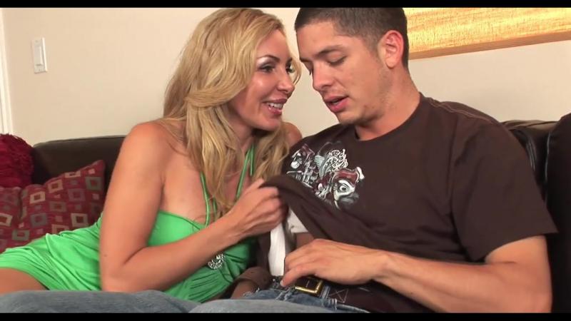 Переспала с молодым мальчиком, blond british cougar big tits fuck hard core mature incest porn (Инцест со зрелыми мамочками 18+)