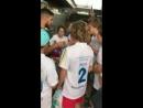 Луис Суарес выступил гидом по Камп Ноу для уругвайских детишек