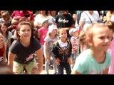 Zumba Kids - warm up - Better when I'm dancing