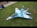Hãy bớt 5 giây share và xem sự thông minh sáng tạo của mấy e hs lớp 10 tự làm máy bay su 27
