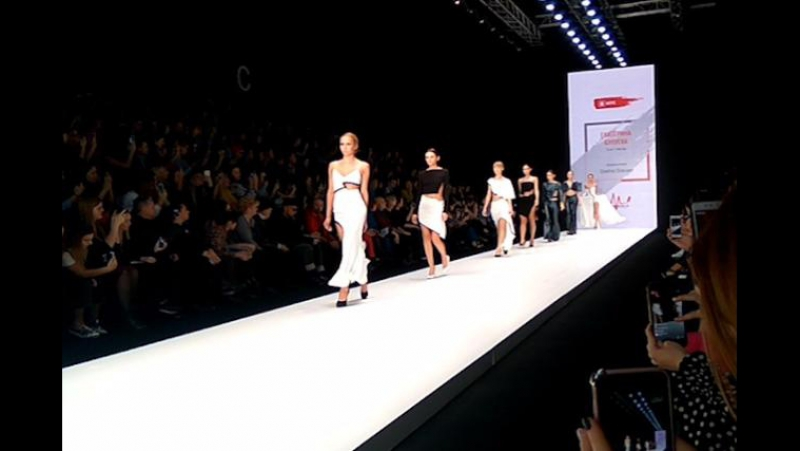 Школьница из Улан-Удэ представила свою коллекцию на Mercedes-Benz Fashion Week Russia
