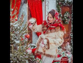 Зимний новогодний дворик