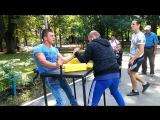 Назар vs Олег