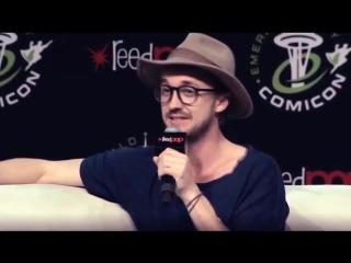 Том говорит об Эмме в фильме