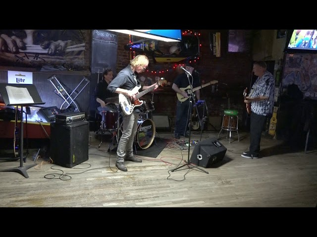 Bluesy Dan Band with Jim Moran at AmericanTrash 9-2-17 Set 2
