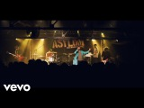 Kaiser Chiefs - Hole In My Soul (Absolute Radio Live)
