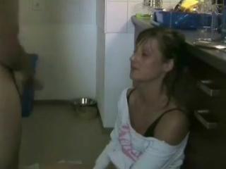 Домашнее порно кончил она проглотила